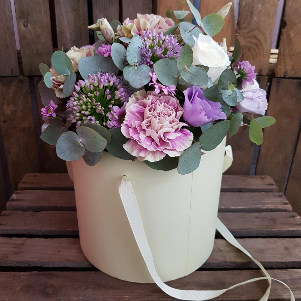 Florists in middleton flower delivery by alkrington flowers heaven in a hatbox izmirmasajfo