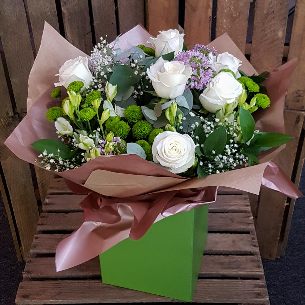 Florists in middleton flower delivery by alkrington flowers fionas dream izmirmasajfo